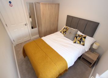 Thumbnail 6 bed flat to rent in Waverley Road, Reading