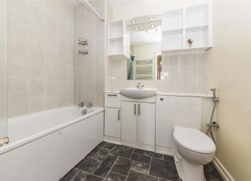 Thumbnail Room to rent in Room 2, Benhill Road, Sutton