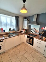 2 bed flat to rent in Howard Road, Stoke Newington, London N16
