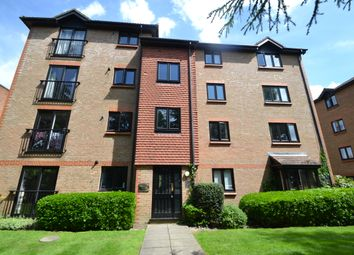 Thumbnail 3 bed flat to rent in The Avenue, Berrylands, Surbiton