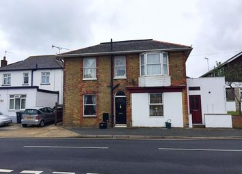 Thumbnail 2 bed flat for sale in Avenue Road, Sandown