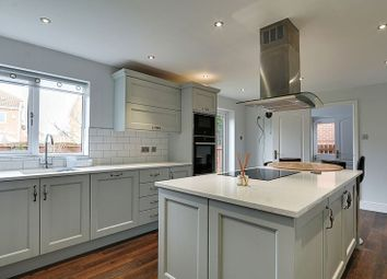 Thumbnail 4 bedroom detached house for sale in Spinnaker Close, Hull