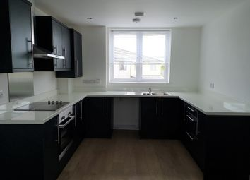 2 bed flat to rent in North Roskear Road, Tuckingmill, Camborne, Cornwall. TR14