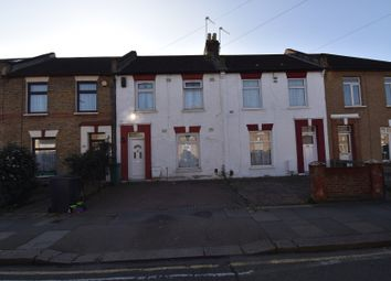 3 bed terraced house to rent in Grange Road, Ilford IG1