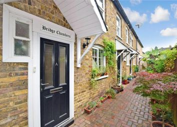 2 bed maisonette for sale in Bridge Street, Leatherhead, Surrey KT22