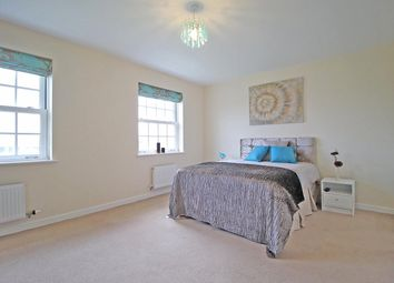 Thumbnail Room to rent in Greenkeepers Road, Great Denham, Bedford