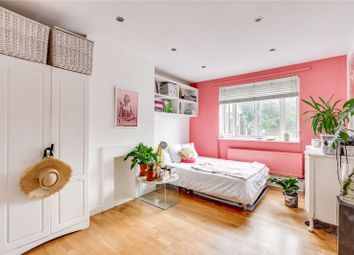 Burleigh House, 50 St. Charles Square, London W10. 1 bed flat