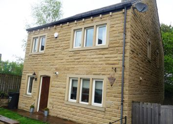 Thumbnail 4 bedroom detached house to rent in Pear Tree Close, Lightcliffe, Halifax