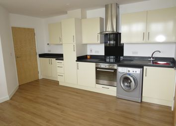 2 bed flat to rent in Wella Road, Basingstoke RG22
