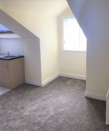 Thumbnail Studio to rent in Trentham Street, Holbeck, Leeds
