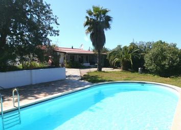 Thumbnail 2 bed villa for sale in Portugal, Algarve, Almancil