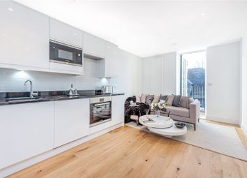 Thumbnail 1 bedroom flat for sale in Central Cross, Croydon, London