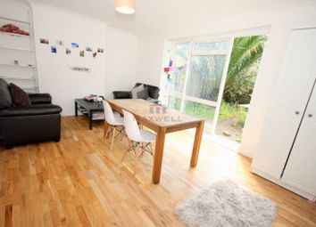 3 bed maisonette to rent in Cable Street, Shadwell, London E1