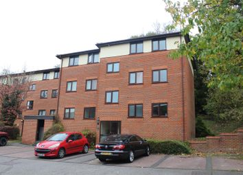 Thumbnail 2 bedroom flat to rent in London Road, High Wycombe