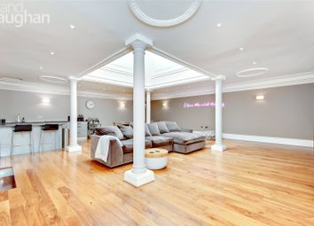Devonshire Place, Brighton, East Sussex BN2. 3 bed flat for sale