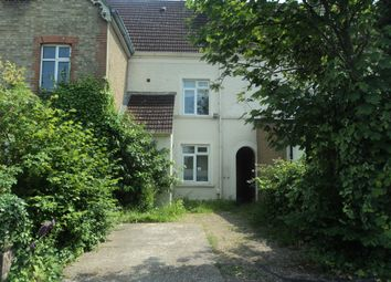 5 bed shared accommodation to rent in South Road, Egham, Surrey TW20