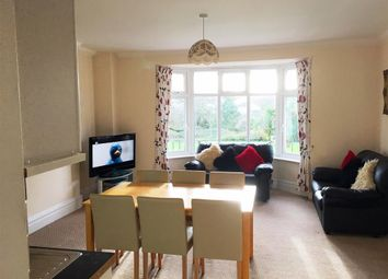 2 bed flat to rent in Youngs Park Road, Paignton TQ4