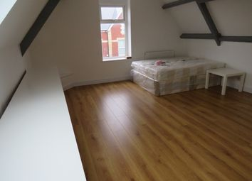 Thumbnail Studio to rent in Clare Road, Grangetown, Cardiff
