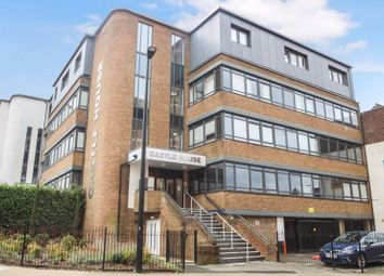 Desborough Road, High Wycombe HP11. 1 bed flat for sale