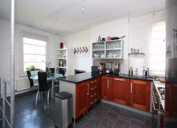 Thumbnail 3 bed flat to rent in Albert Road, Alexandra Park, London