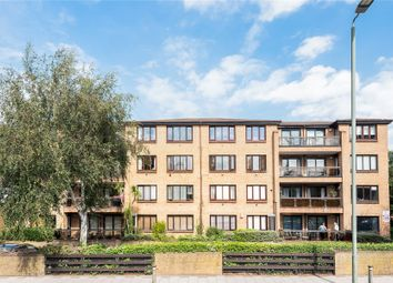 Andace Park Gardens, Widmore Road, Bromley BR1. 2 bed flat