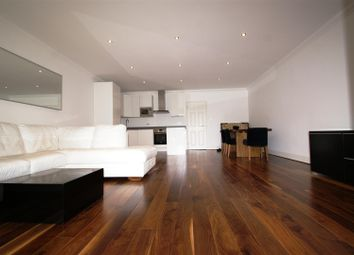 Thumbnail 3 bedroom flat to rent in Cholmeley Park, Highgate