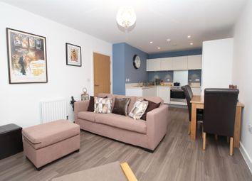 Thumbnail 2 bedroom flat for sale in Clovelly Place, Greenhithe