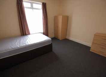 Thumbnail 5 bedroom terraced house to rent in Machon Bank, Sheffield