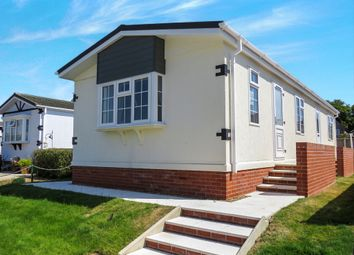 Thumbnail 2 bed mobile/park home for sale in St Osyth Road East, Little Clacton, Clacton-On-Sea
