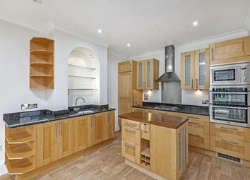 Thumbnail 5 bedroom flat to rent in Coomer Place, London