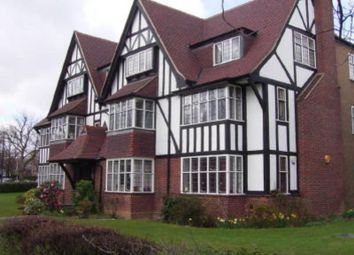 Thumbnail 3 bed flat to rent in Queens Drive, London