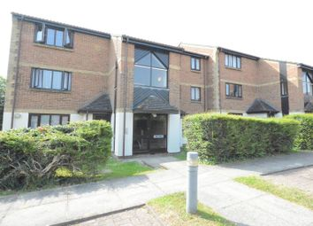 Thumbnail 1 bed flat to rent in Pyegrove Chase, Forest Park, Bracknell
