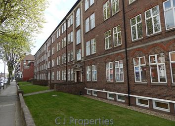 Thumbnail 1 bed flat to rent in Georgian Court, Vivien Avenue, Hendon