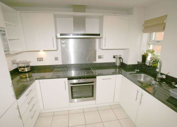 Thumbnail 2 bedroom flat to rent in Frances Road, Windsor
