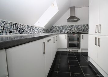 Thumbnail 2 bed flat to rent in Tinsley Lane, Crawley
