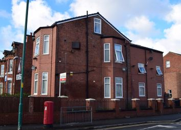 2 bed flat to rent in East Road, Longsight, Manchester, Greater Manchester M12