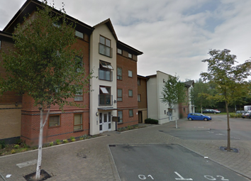 Thumbnail 2 bed flat for sale in Purley, Croydon