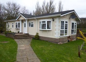3 bed mobile/park home for sale in Bushey Hall Park, Bushey Drive, Bushey, Hertfordshire, 2Ge WD23
