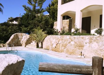 Thumbnail 4 bed villa for sale in Kamares, Paphos, Cyprus