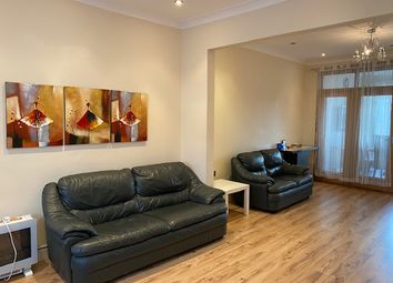 4 bed terraced house to rent in Quebec Road, Ilford IG2