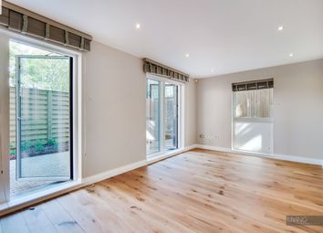 Thumbnail 2 bedroom flat to rent in Holloway Road, Holloway