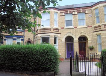 Thumbnail 3 bed flat to rent in Victoria Avenue, Hull