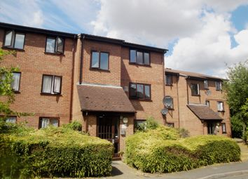 Thumbnail 1 bed flat to rent in Avenue Road, Romford