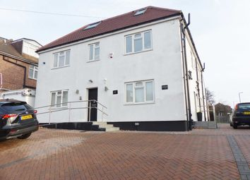 Thumbnail 2 bed flat to rent in Fairholme Gardens, Finchley, London
