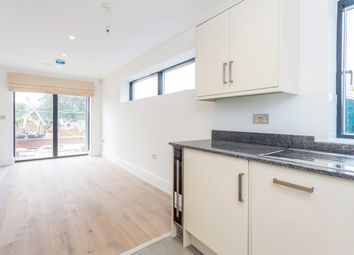 Thumbnail 1 bed flat to rent in Brighton Road, Horsham