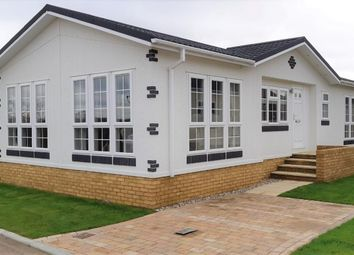 2 bed property for sale in Dunton, Brentwood, Essex CM13
