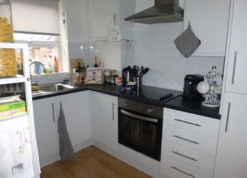 2 bed flat to rent in Old Lansdowne Road, West Didsbury, Didsbury, Manchester M20