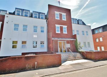 2 bed flat for sale in Essex Road, Basingstoke RG21