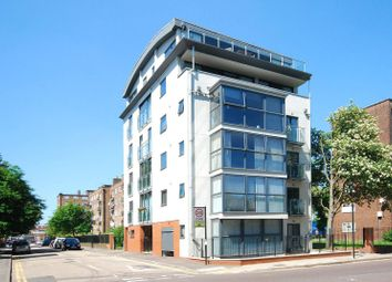 Thumbnail Studio to rent in Queensbridge Road, Haggerston