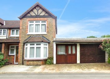 3 bed end terrace house to rent in The Triangle, Woking GU21